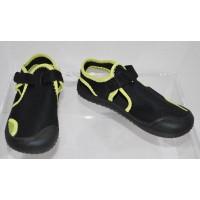 Boys Cat & Jack Black Water Shoes Size XL (11/12)