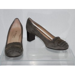 """De Robert """"Breanna"""" Womens Suede Leather Pumps Taupe Euro Size 36"""